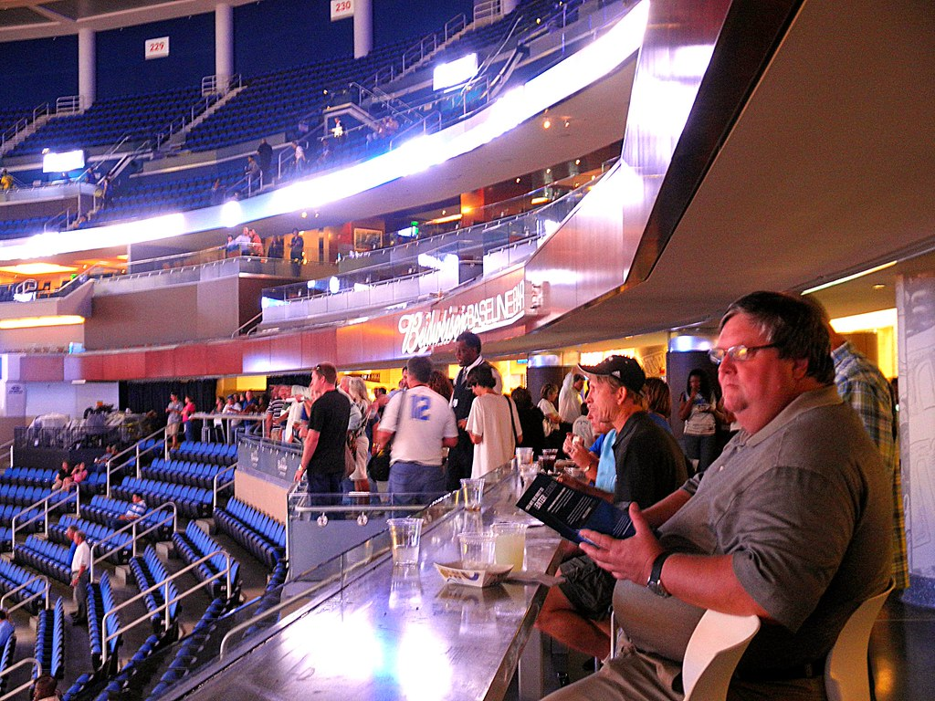 Amway Center 32 | The Budweiser Bar on the Terrace Level ...
