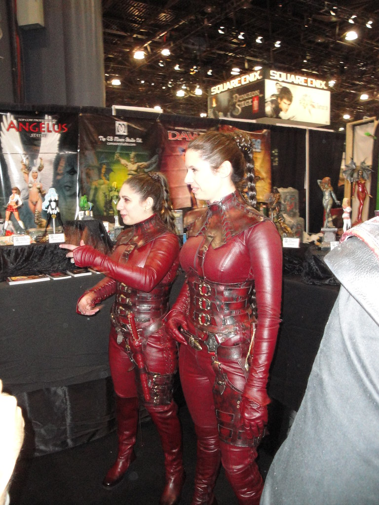 Mord-Sith with their Agiel | These ladies had actual costume ...