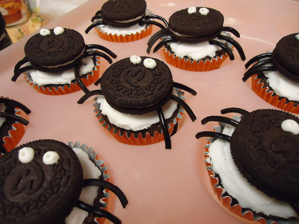 Chocolate Muffin Spider Cakes