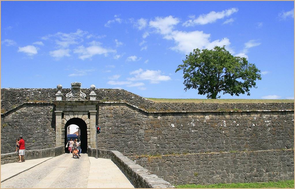 Valen a do minho portugal fortificado for Muebles portugal valenca