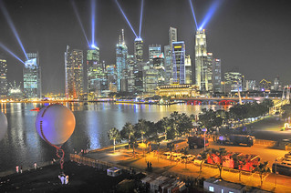 YOG – The Lasers from the Cityscape beaming across Marina Bay | by williamcho