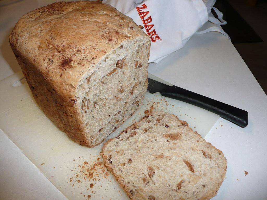 Apple And Walnut Cake Recipe