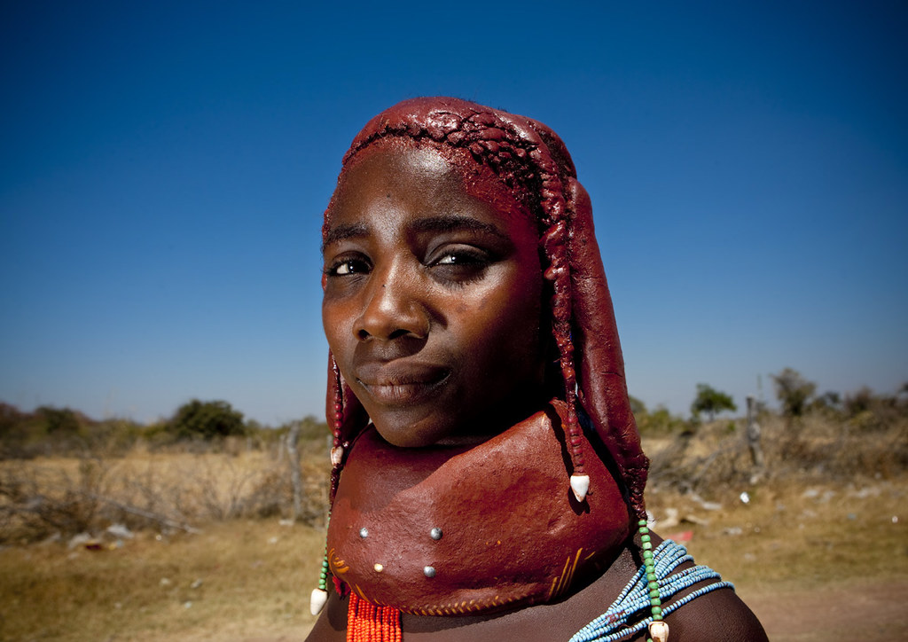 Little teen and tribu african - 1 3