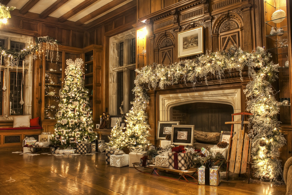 Skylands Manor Holiday Open House