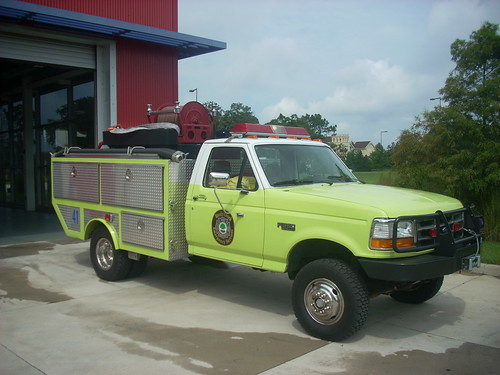 Reedy Creek Emergency Services W-41 | by West Florida Fire Photography