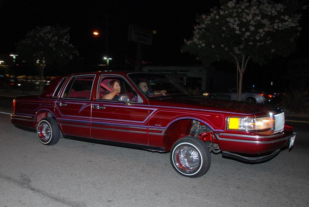 CUSTOMIZED LOWRIDER LINCOLN TOWN CAR | Navymailman | Flickr