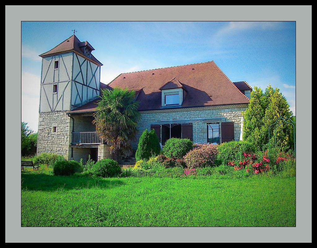 Vieille ferme fortifi e r nov e et habit par des petits flickr - Vieille ferme renovee ...