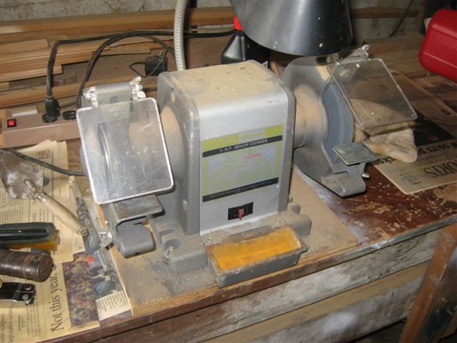 Craftsman 1 2 Hp Bench Grinder With Lamp 70 Note