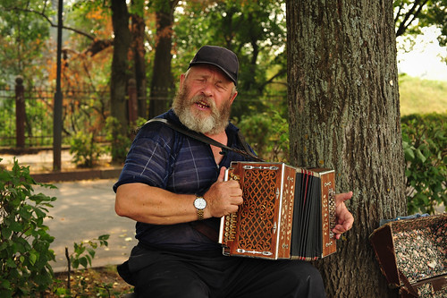 Russian Accordionist in Suzdal | by goingslowly