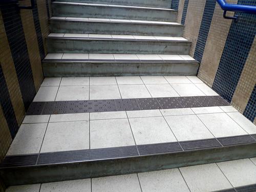 escalier avec bande podotactile agen fr47 jean louis zimmermann flickr. Black Bedroom Furniture Sets. Home Design Ideas