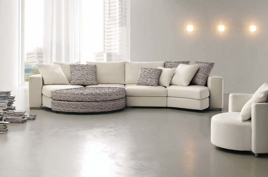 Karisma divani moderni ditre italia composizione di for Divani milano
