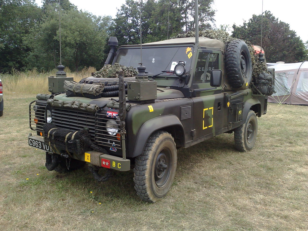british army landrover defender brian flickr. Black Bedroom Furniture Sets. Home Design Ideas