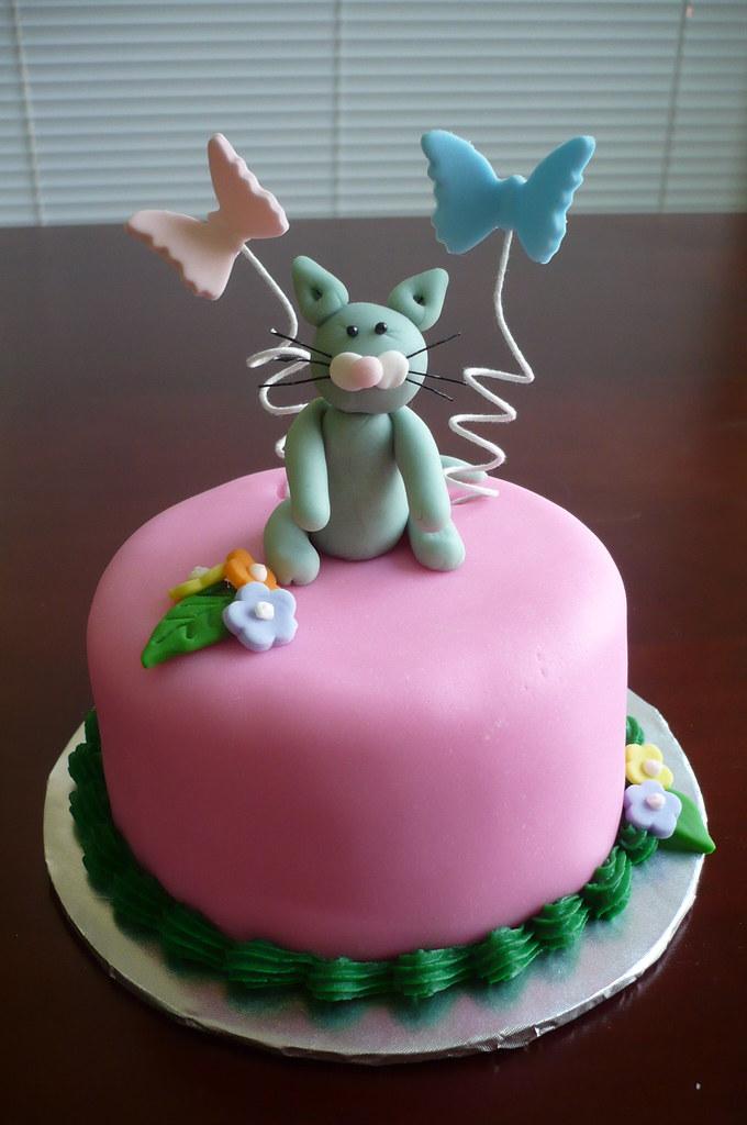 Itty Bitty Kitty Cake | Liz Hunt | Flickr