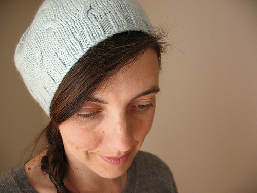 Mini cables hat | by coco knits