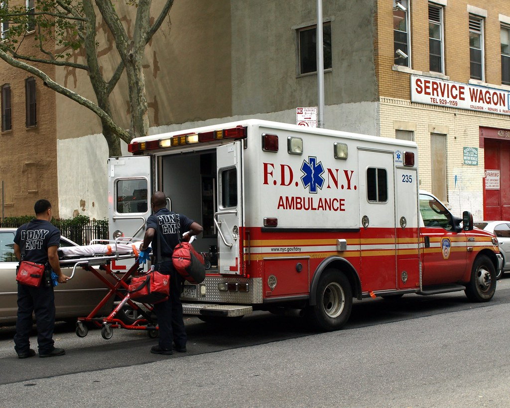 Fdny Emt Ambulance Chelsea New York City West 19