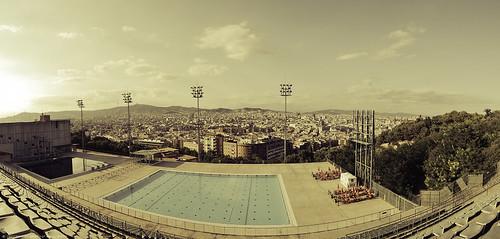 Barcelona la piscina municipal de montju c 40d 17 50 for Piscina 50 metros barcelona