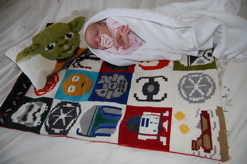 Svanhildur, the new owner of the Star Wars pillow and blanket | by Kiddy Amunda