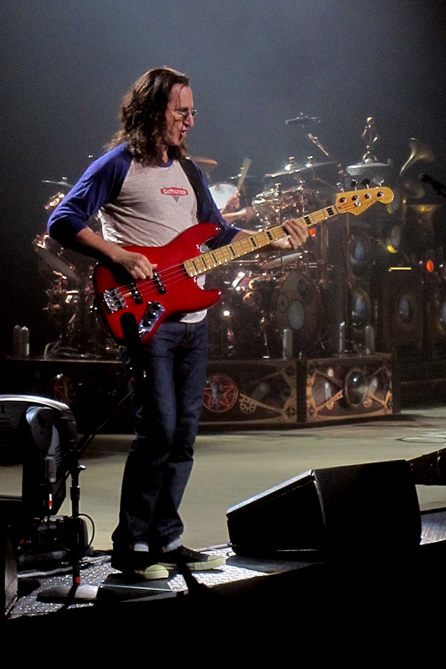 Rush Iphone 5 Wallpaper Geddy Lee of Rush at