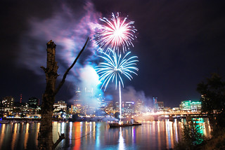 Oregon Symphony Waterfront Concert Fireworks | by pdxsean
