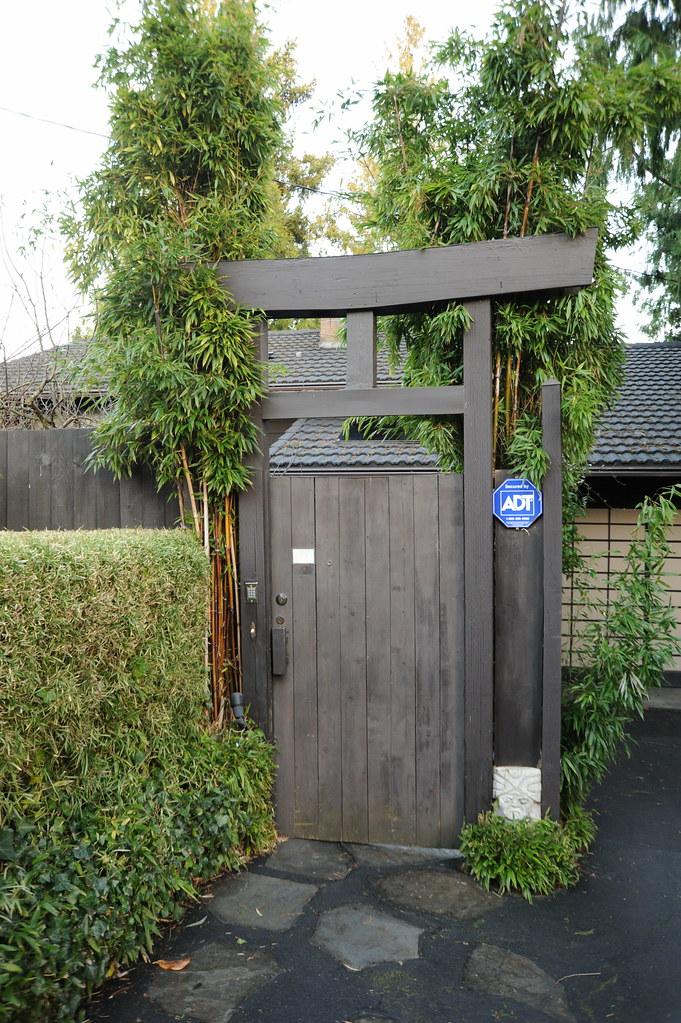 Japanese style gate, House, North Matthews Beach, Sand Poi