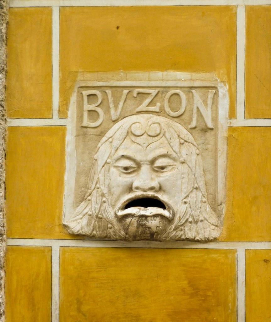 Buz n de correo en la habana vieja meta la manito - Buzon de correos ...