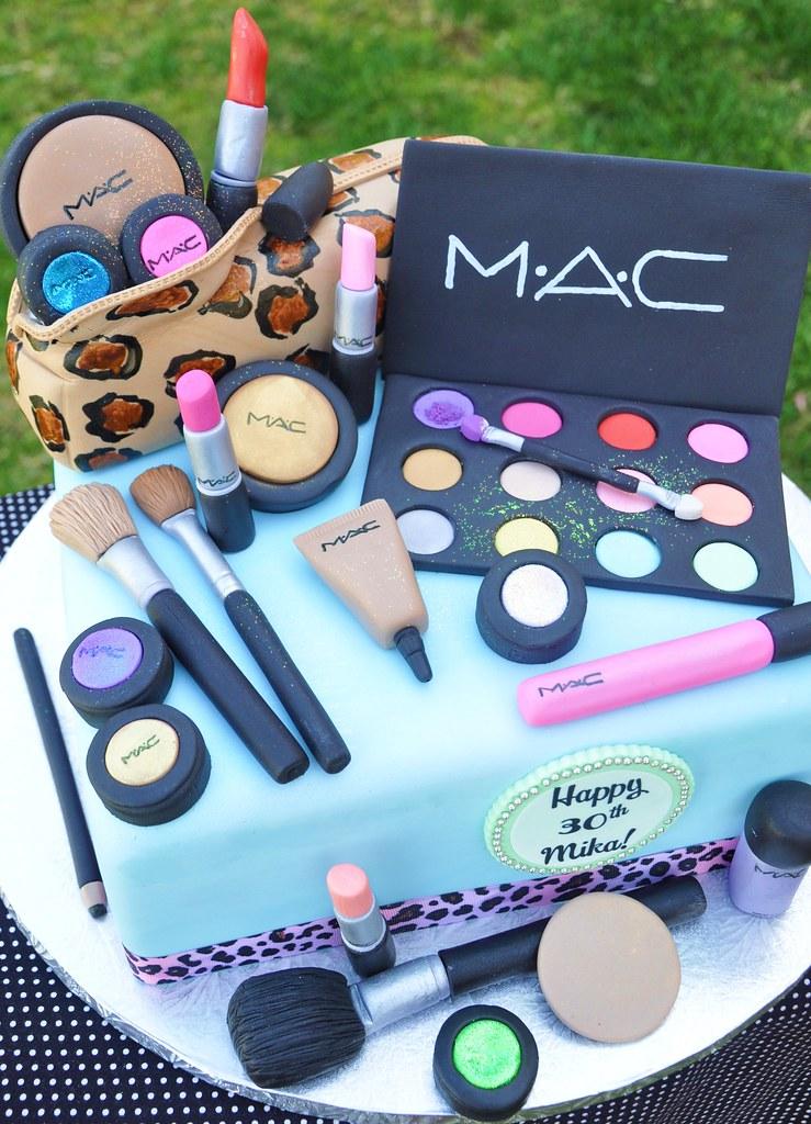 Mac Make Up Cake. This Cake Was AWESOME