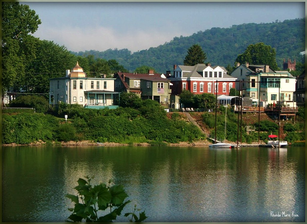 Wheeling west virginia view of homes on zane island for Wv home builders