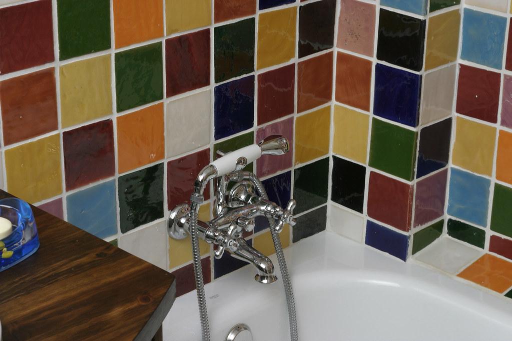 Ba o azulejos multicolor combinaci n azulejos colecci n - Combinacion azulejos bano ...