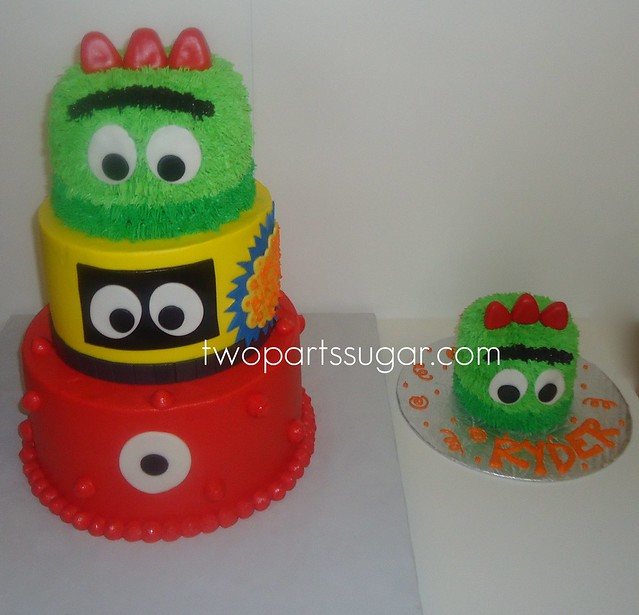 Yo Gabba Gabba cake and Brobee smash cake | Flickr - Photo ...