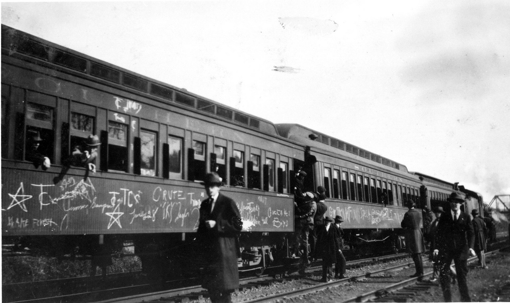 train graffiti in the 1920's | it looks like some body