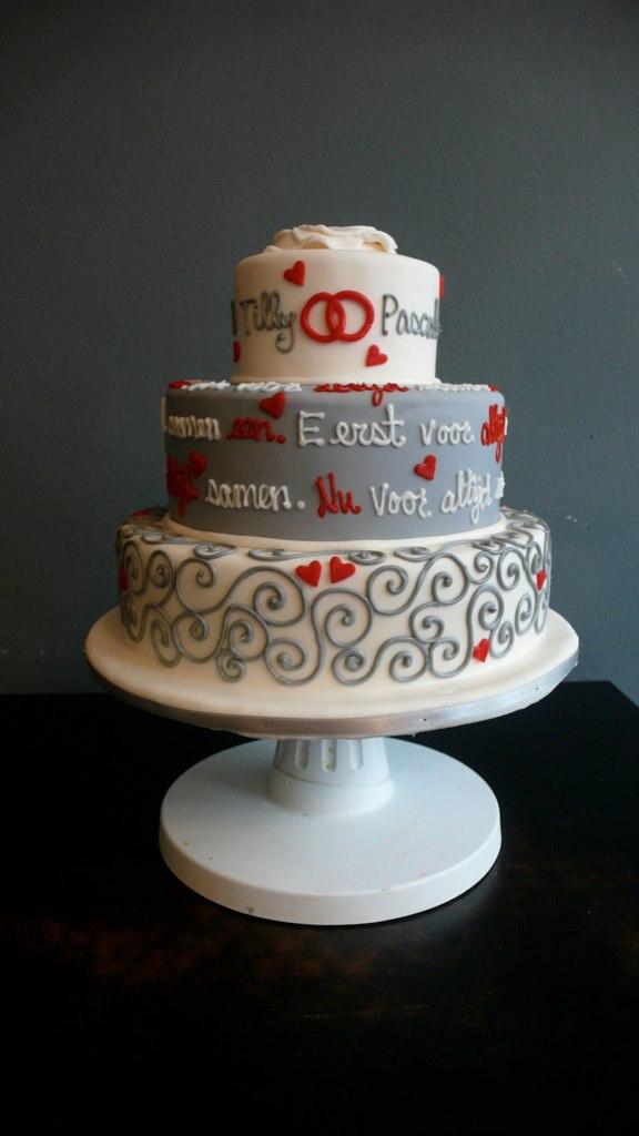 Grey Ehite Wedding Cake