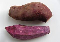 Paarse bataat met paarse schil