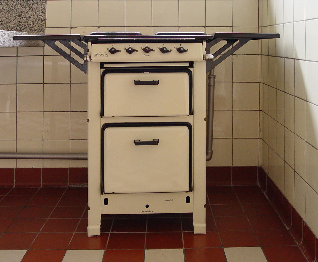 Old gas oven marque Dordrecht in House Sonneveld Rotterd Flickr