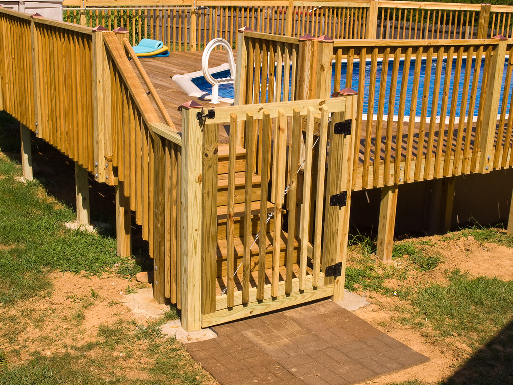 how to build a short deck gate
