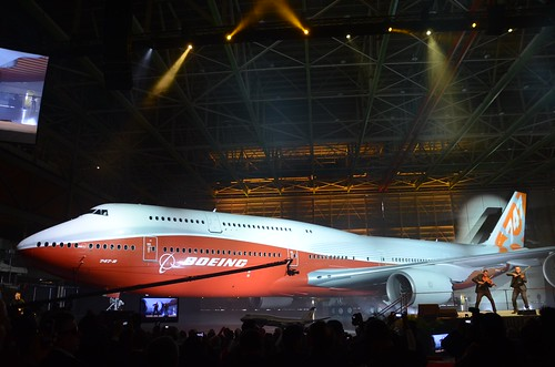 Photo of Note: Boeing unveils sunrise 747-8I colors | by Jon Ostrower