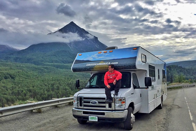 Sele con la autocaravana en Alaska