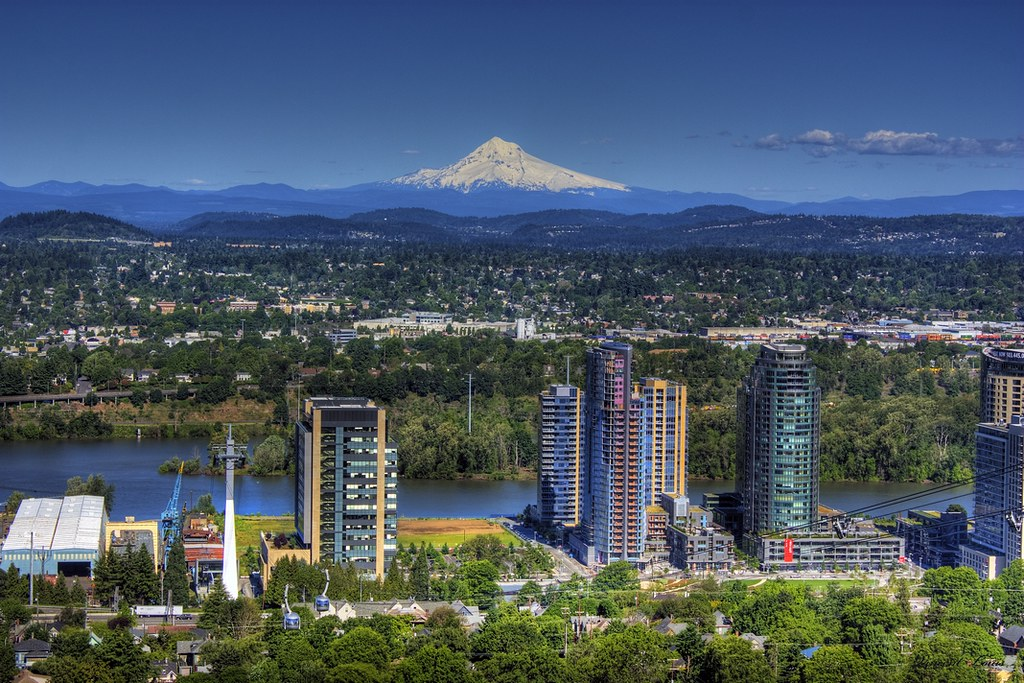 0195 portland oregon with mount hood in the background - Camera world portland ...
