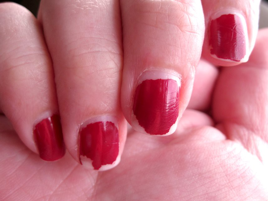 Почему шеллак трескается на ногтях