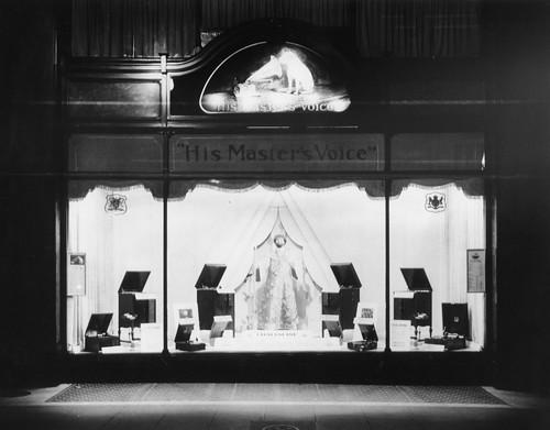 hmv 363 Oxford Street, London - Chaliapine window display 1927