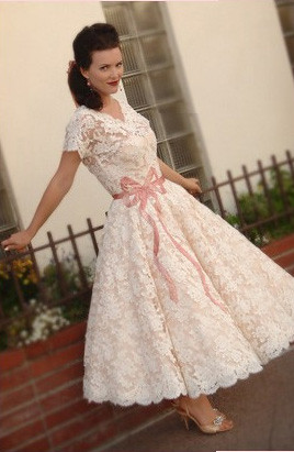 1960s Wedding Dress. I. WANT. IT. | OH. MY. GOSH. I loooooov… | Flickr