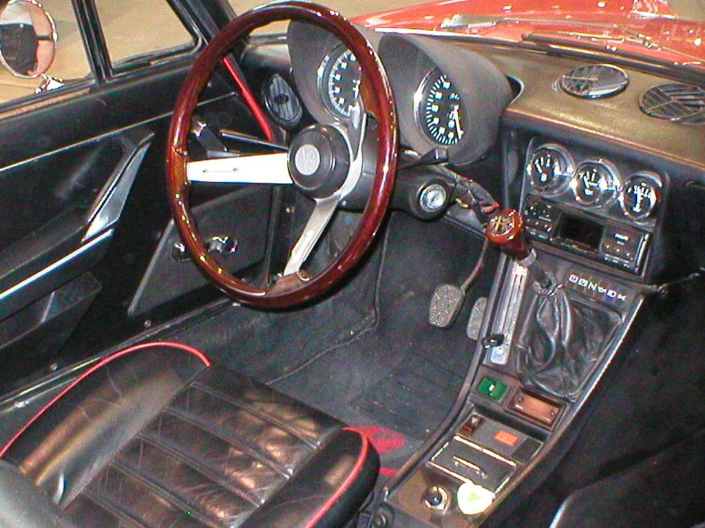 Alfa romeo 2000 spider veloce fastback series 2 coda tr for Interieur alfa spider 2000