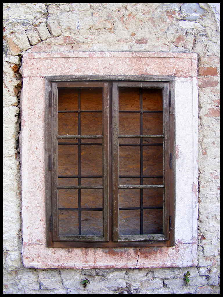 Old Window With Red Marble Frame In Cifra Mill Tata Flickr
