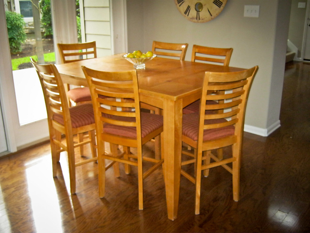 Counter Height Kitchen Table 6 Chairs For Sale 200