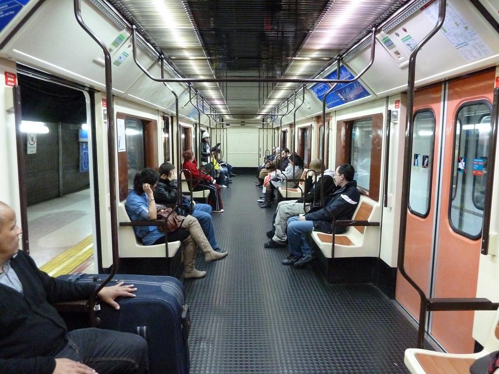 Interior De Coche Serie 5000 Del Metro De Madrid L 237 Nea 6