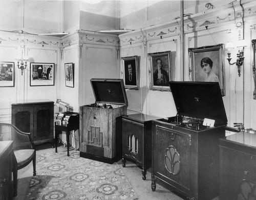hmv 363 Oxford Street, London - Interior 192os or 193s