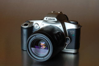 Canon EOS 500 N | by RaúlM.
