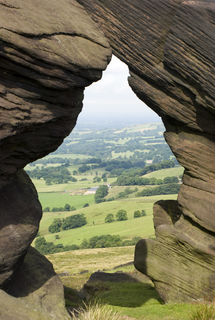 Natural frame   Looking west from Bearstone Rock, The Roache…   l4ts ...