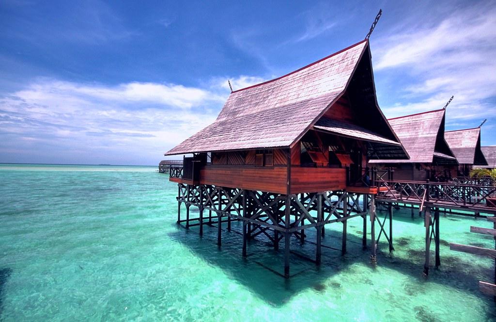 Sipadan kapalai chalets sipadan kapalai resort is built - Sipadan dive resort ...
