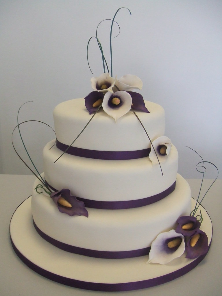 Cake Aubergine And Ivory Jules Enquiries Cakechester