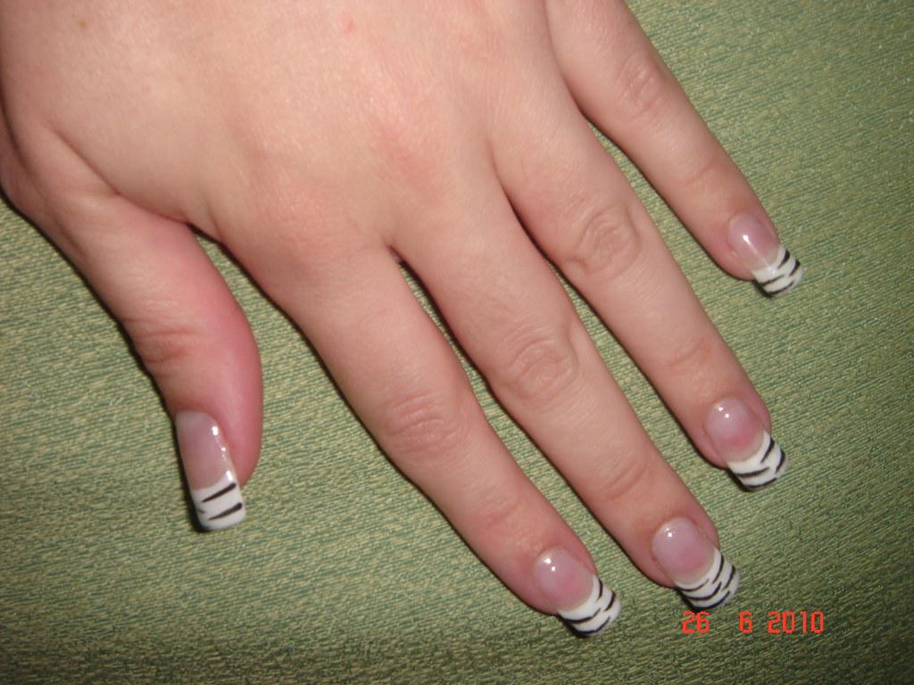 by emy marques da uas de gel con diseo de zebra by emy marques da